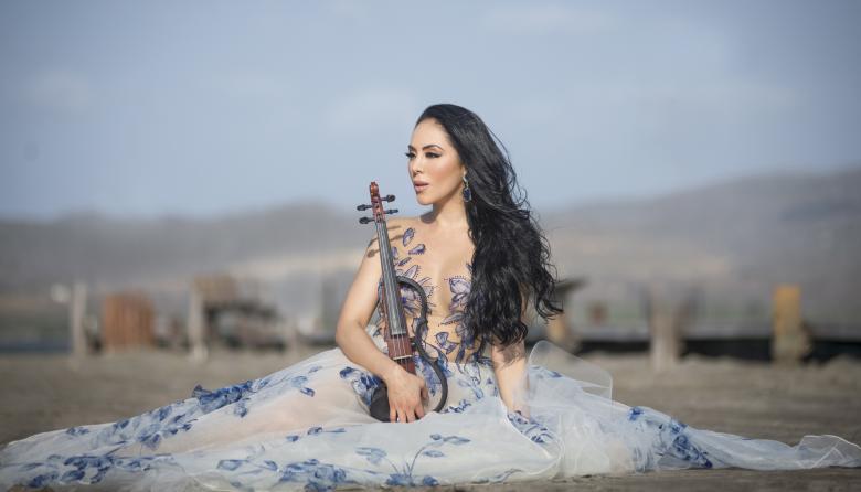 Chica Miércoles | Esther Anaya, la monteriana que viaja por el mundo tocando el violín