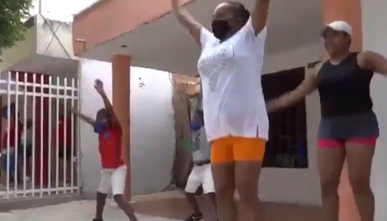 En video | Actividad física a domicilio en el barrio La Paz
