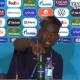 ¡Igual que Cristiano!, Pogba retiró una Heineken de la rueda de prensa