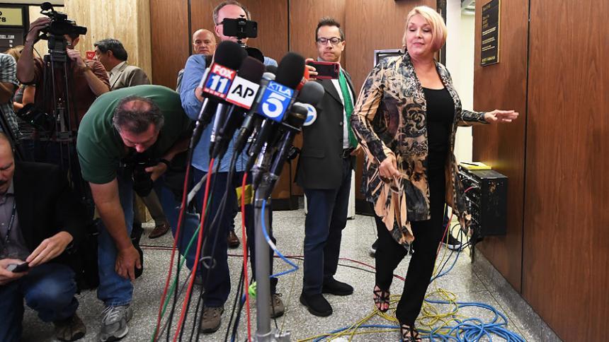 La víctima de violación de Roman Polanski implora al juez cerrar el caso