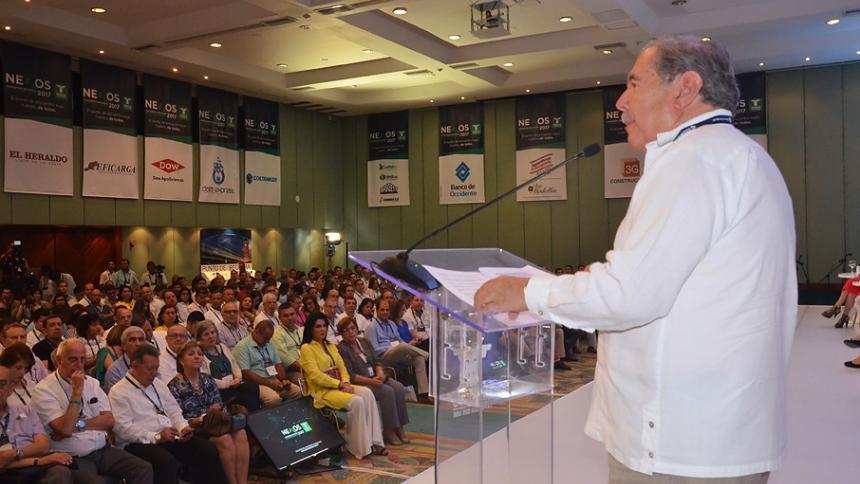 """""""Urge aplicar decálogo para reactivar economía"""""""
