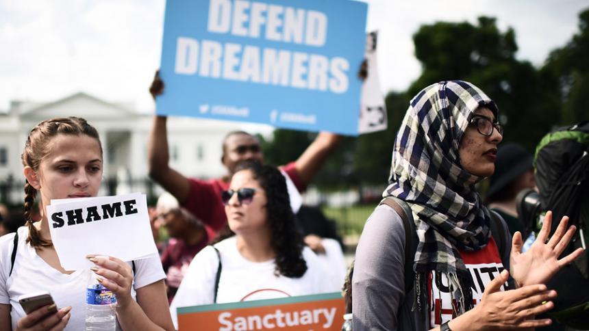 Suprema Corte mantiene programa migratorio en EEUU