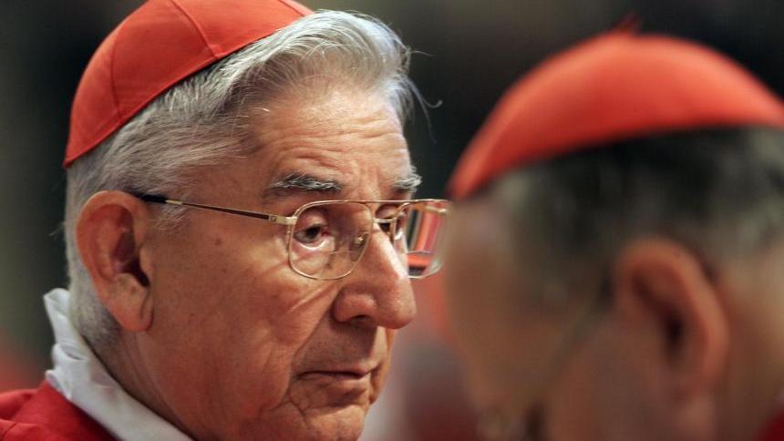 """El papa recuerda """"el generoso servicio"""" del cardenal Castrillón"""