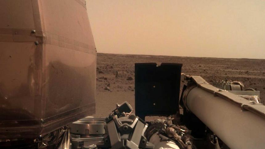 El módulo InSight envía más imágenes del planeta rojo