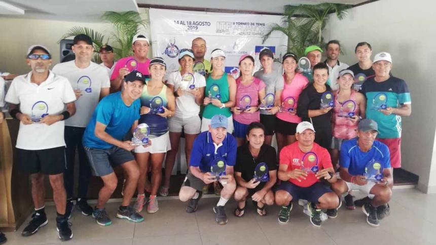 Locales dominan el ITF de tenis en el Country Club
