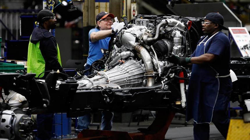 Más de 40.000 empleados de General Motors llaman a la huelga en EEUU
