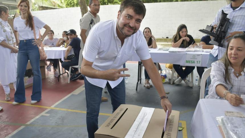Jaime Pumarejo durante los comicios.