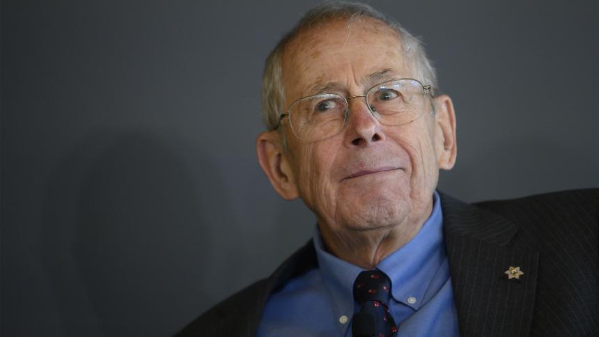 El cosmólogo ganador del Nobel que detesta el término 'Big Bang'