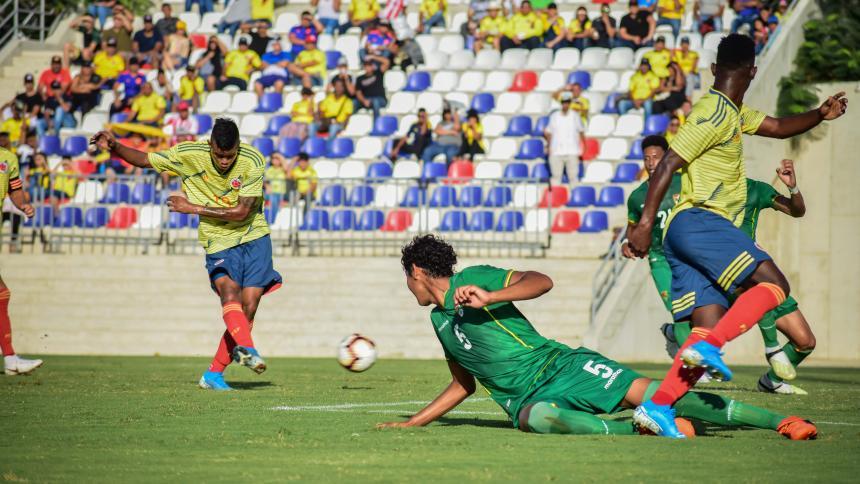 Esta fue una de las oportunidades que tuvo Luis 'El Chino' Sandoval durante el amistoso ante Bolivia.