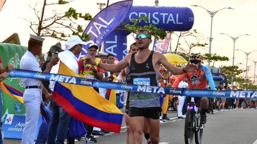 Juan Carlos Cardona, ganador de la carrera.