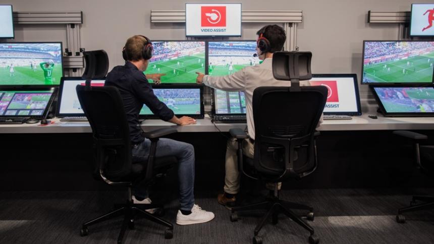 El VAR se viene implementando en las principales ligas del mundo.