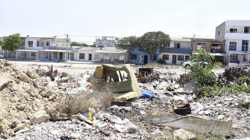 Lío por lote de 12 ha invadido de basuras y cambuches en Soledad