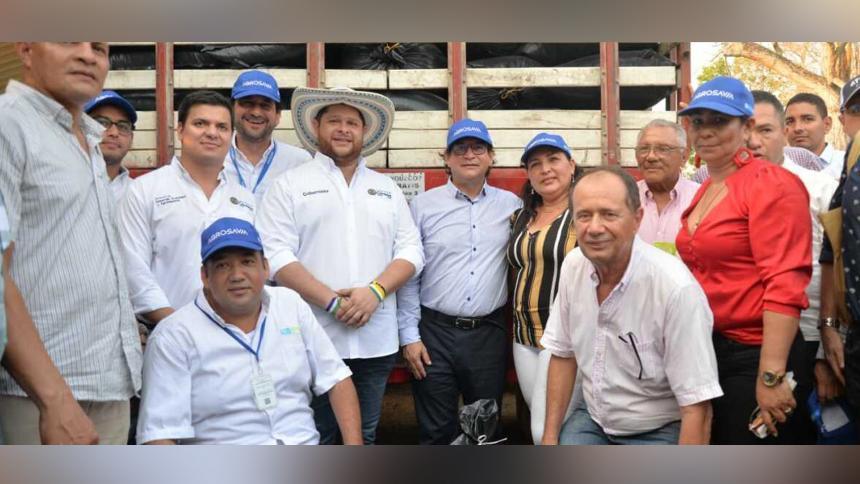 El ministro de Agricultura y Desarrollo Rural, Rodolfo Zea Navarro; el gobernador de Córdoba, Orlando Benítez Mora; el director de Agrosavia, Jorge Díaz Luengas, y productores, durante la visita a ese departamento.