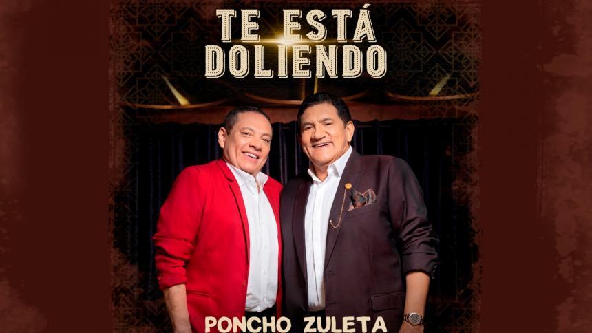 Poncho Zuleta (derecha) respaldado con el acordeón del Rey de Reyes Gonzalo Arturo