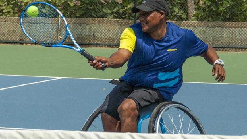 El atlanticense Eliécer Oquendo, el mejor tenista en silla de ruedas del país.