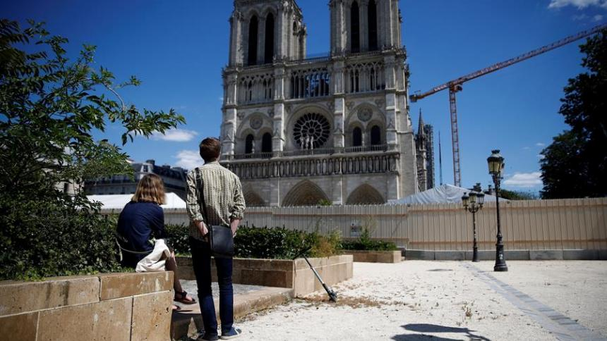 El presidente francés, Emmanuel Macron, se planteó el objetivo de que Notre Dame sea reconstruida en cinco años.