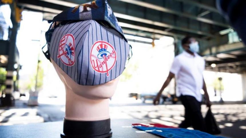 Los aficionados entrarían a los estadios cumpliendo con algunas medidas de seguridad como el uso de mascarillas.