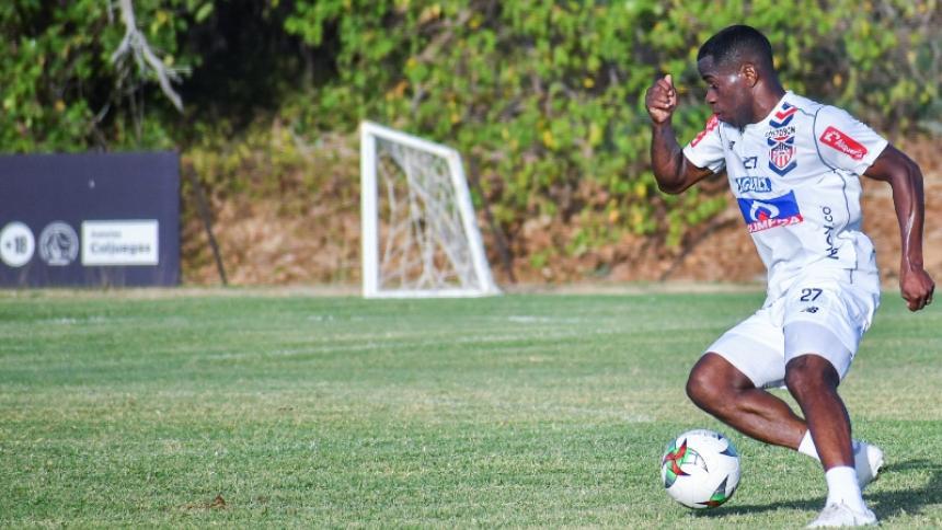 Carmelo Valencia durante un entrenamiento de Junior antes de la pausa por la pandemia.