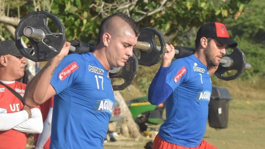Michael Rangel y Sebastián Viera en una práctica de Junior en el primer semestre de 2019.