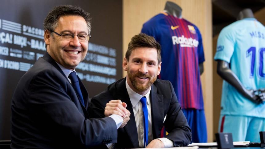 Bartomeu junto al delantero argentino Lionel Messi.