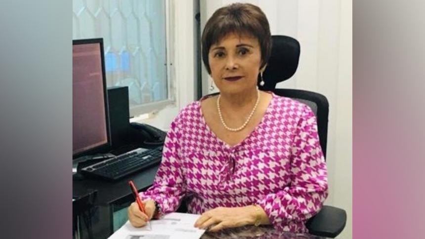 Gloria Plata, en su despacho de la Oficina de Pasaportes.