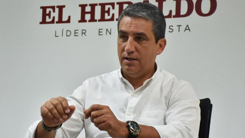 Fernando Jaramillo durante una visita a EL HERALDO en 2017, en su rol de vicepresidente de asuntos corporativos de Bavaria.