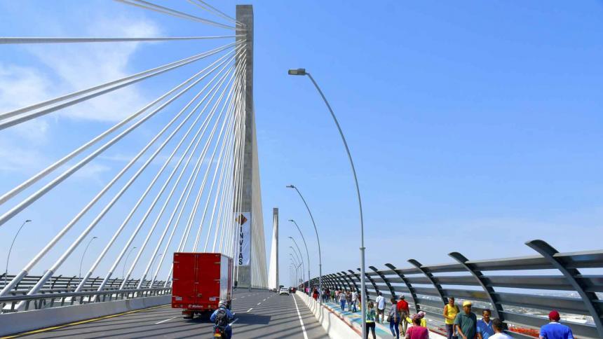 Aspecto del nuevo puente Pumarejo, que conecta a Barranquilla con el Magdalena.
