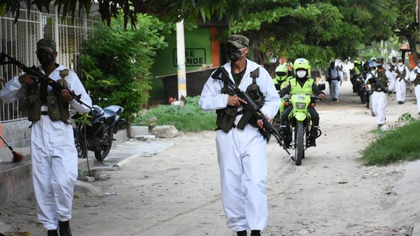 Miembros del Ejército y de la Policía estarán a cargo del control del cumplimiento de las medidas.