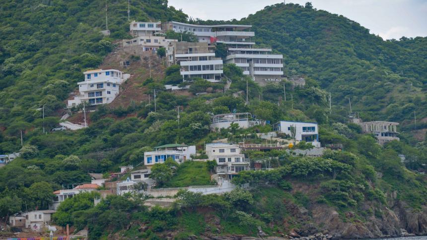 Cerros de Santa Marta, un complejo problema que se salió de control