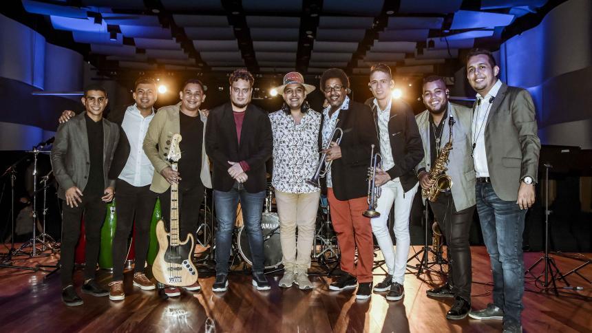 La Bandita mezcla el jazz con ritmos como la cumbia, el bullerengue, la guaracha y el bambuco.