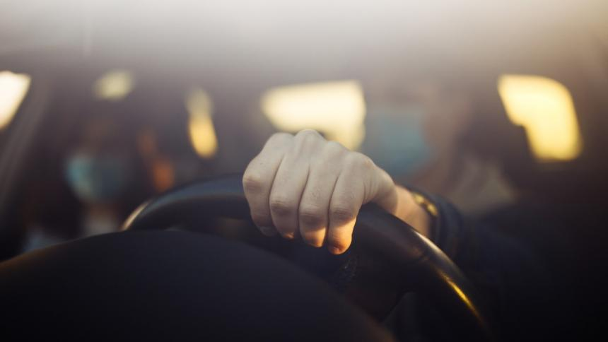 Los pasajeros deben portar tapabocas al montarse en los vehículos de las aplicaciones.