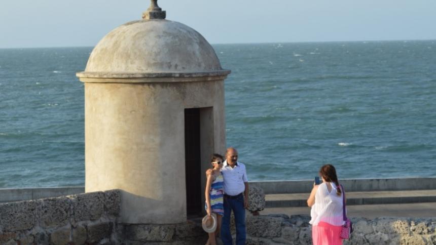 """""""Sí se pueden tomar fotos y videos en murallas de Cartagena"""""""