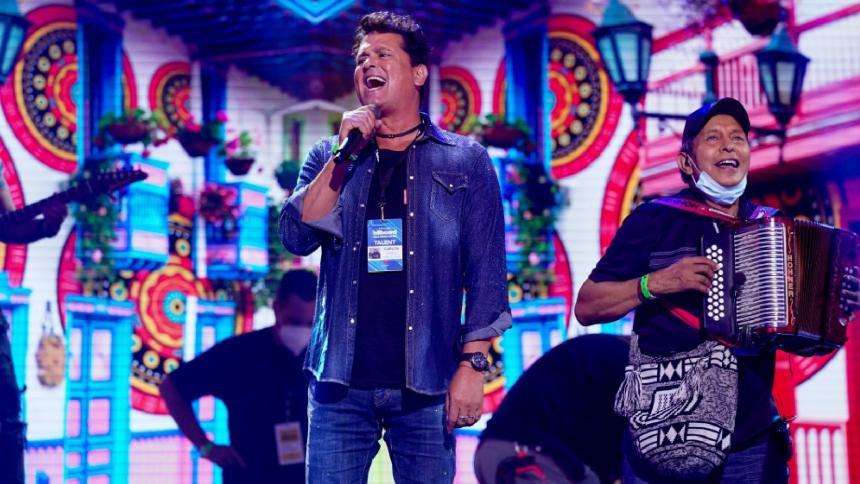 Carlos Vives en uno de los ensayos para la gala de los Billboards.