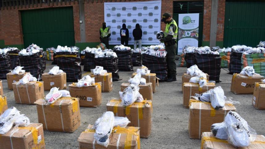 Calzados de contrabando que eran comercializados a través de redes sociales.