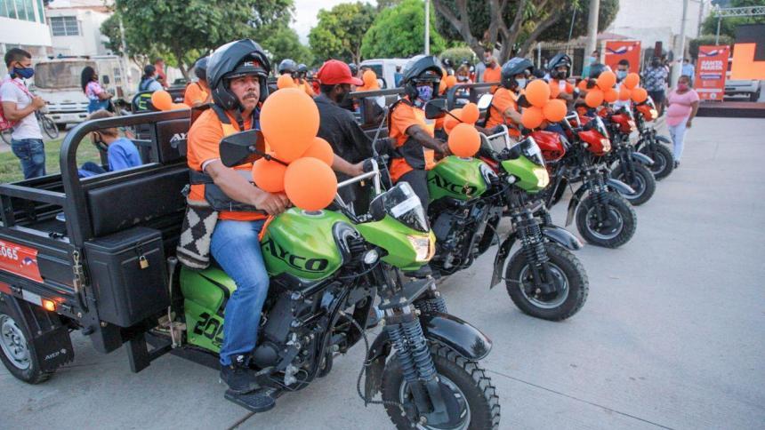 15 familias samarias pasaron del carro de mula al motocarro