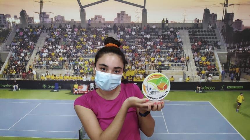 Sharik Vizcaíno fue la campeona en la categoría de 16 años.