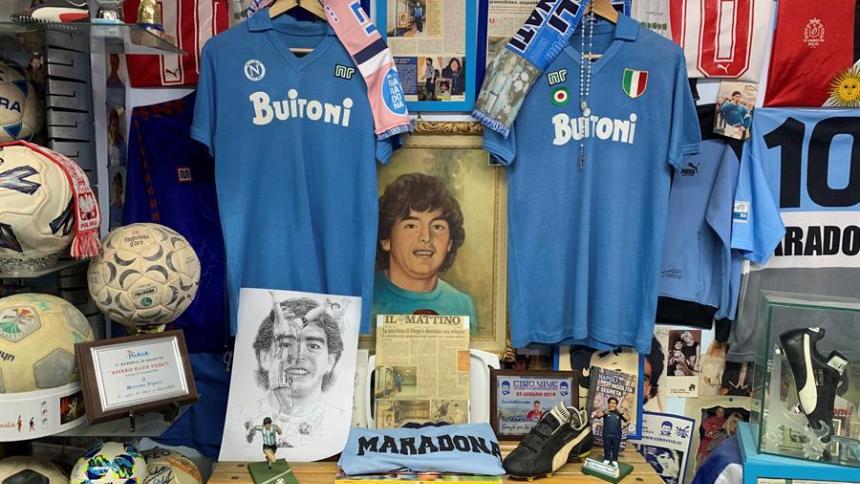 El relicario de la familia napolitana que cuidó a Maradona