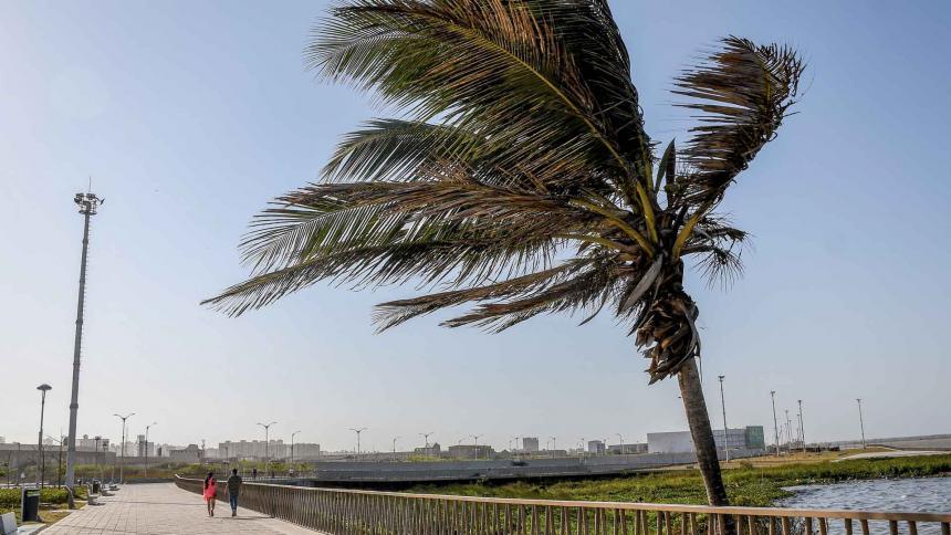 Los fuertes vientos se podrían extender hasta el sábado.