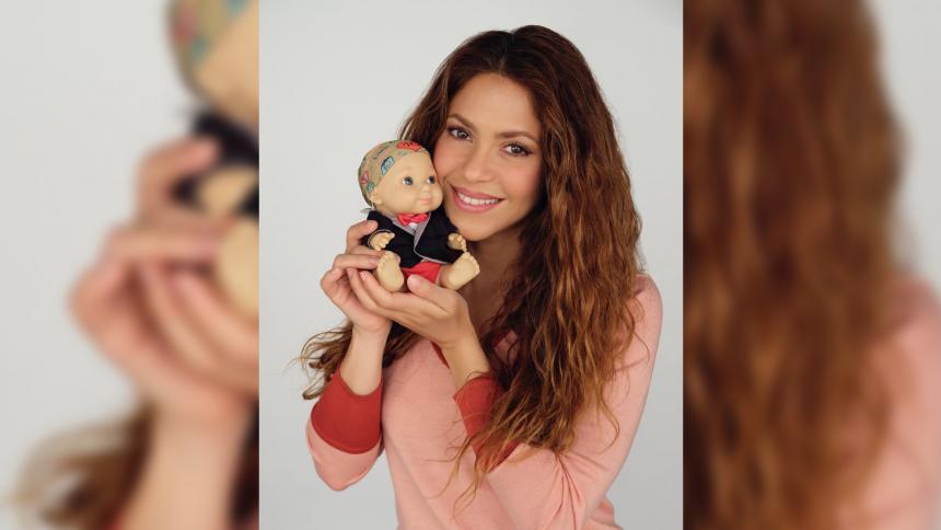 Muñeca para apoyar a niños con quimioterapia lleva el nombre de Shakira