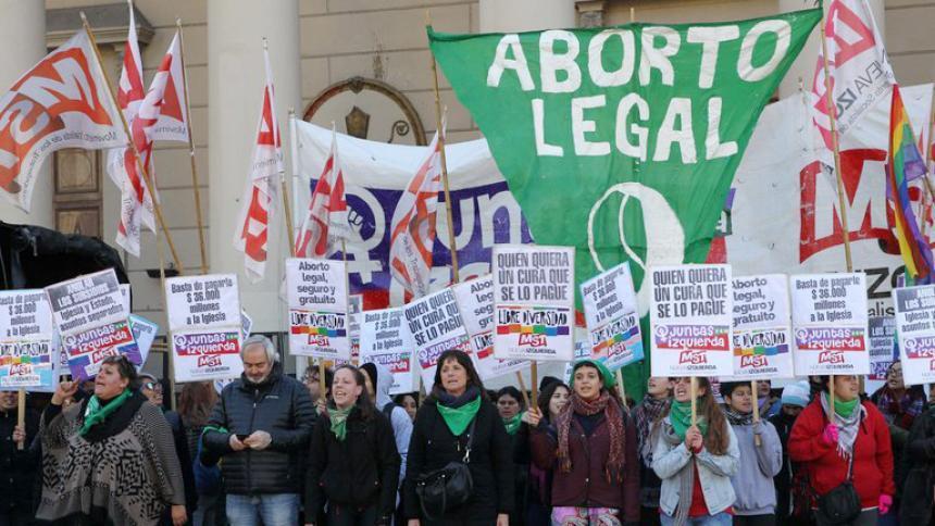 """La Iglesia cree que la ley de aborto ahondará las """"divisiones"""" en Argentina"""