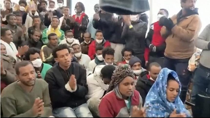 Finaliza el desembarco de los 265 migrantes del Open Arms a Italia