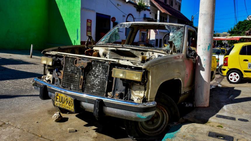"Reportan ""abandono de carros"" en calles de Barranquilla"