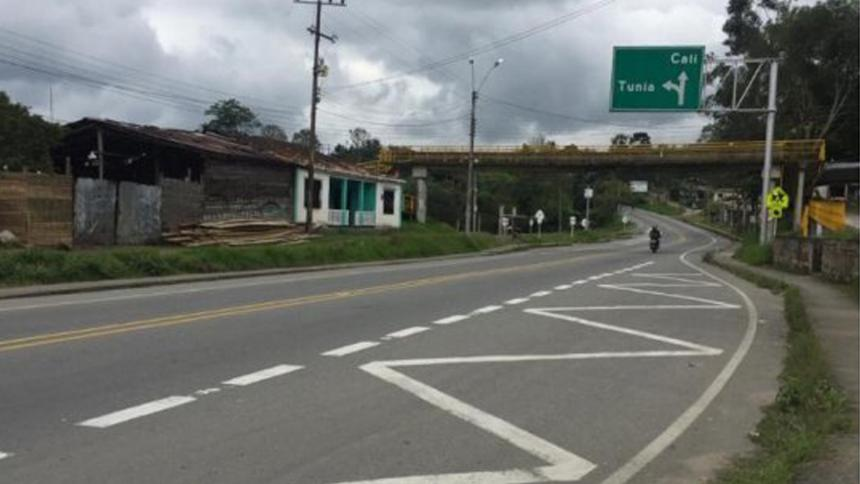 Lanzan artefacto explosivo a estación de Policía en Cauca