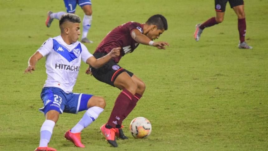 Alexis Pérez fue inicialista en Lanús frente a Vélez.