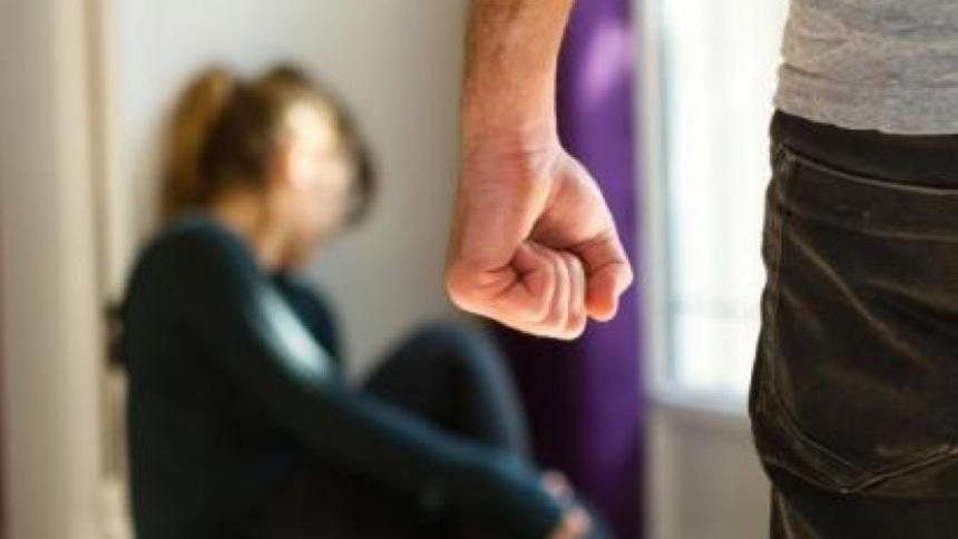 Distintos colectivos feministas del país plantean la adopción de un protocolo contra los feminicidios.
