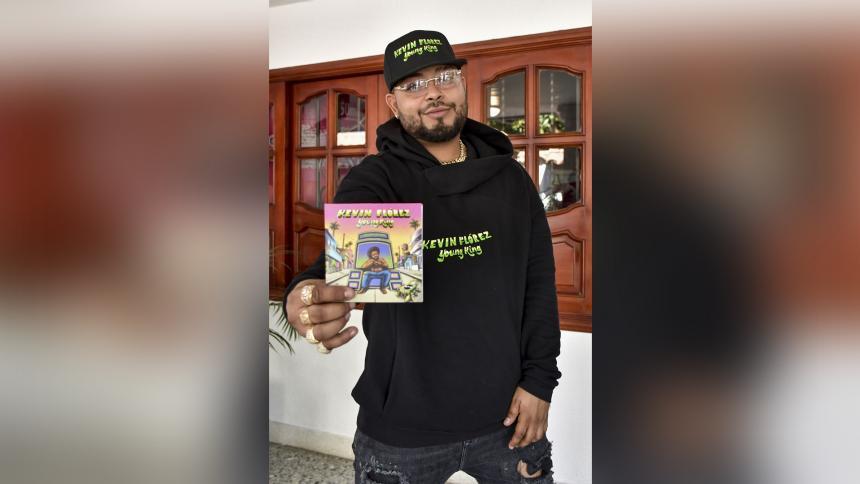 El artista presentó su producción discográfica en la que llevaba trabajando más de dos años.