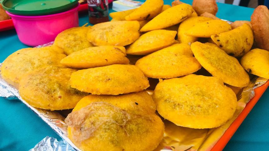 La arepa e´ huevo y de carne y la empanada serán algunos de los fritos que ofrecerá el festival cartagenero.
