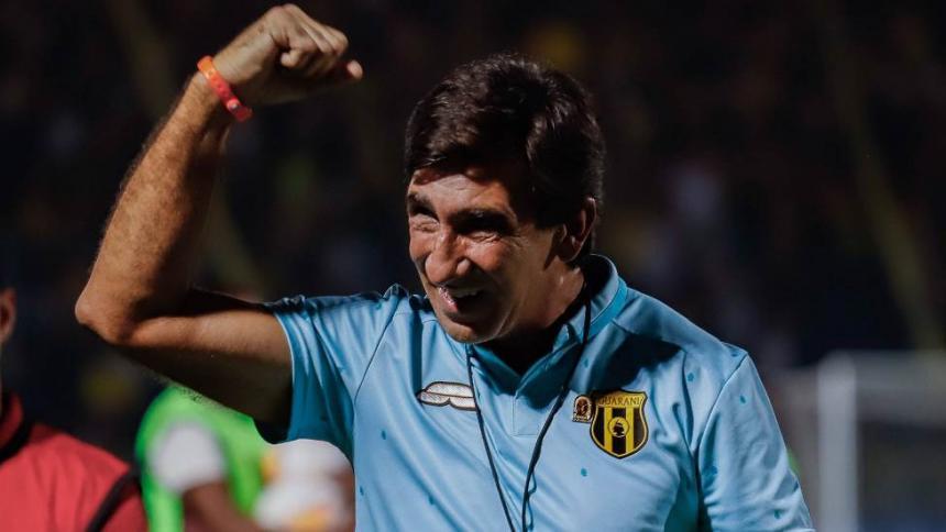 Gustavo Costas se echa para atrás y sigue como entrenador del Guaraní