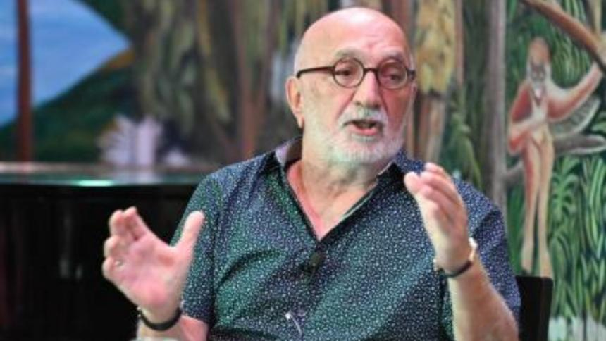 El periodista Juan Gossaín, invitado del Hay Festival.
