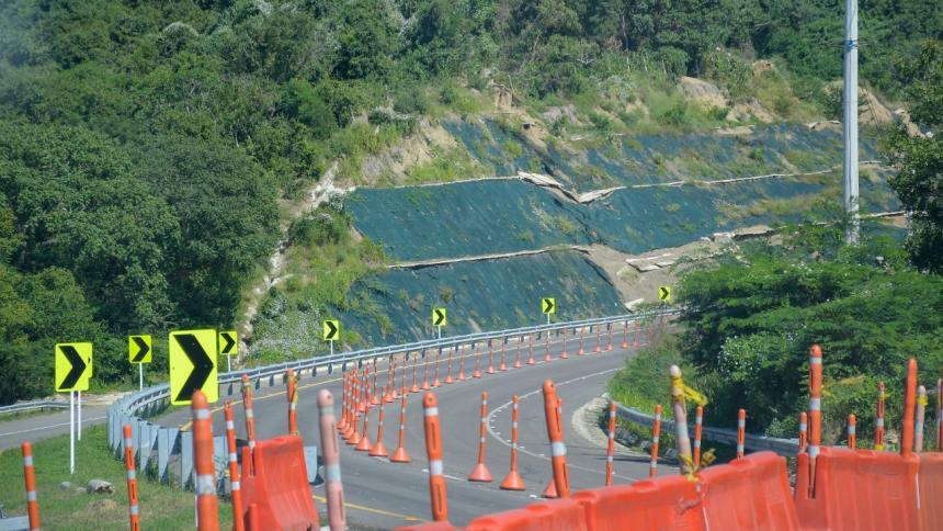 Deslizamiento retrasa entrega de doble calzada de la vía a Cartagena